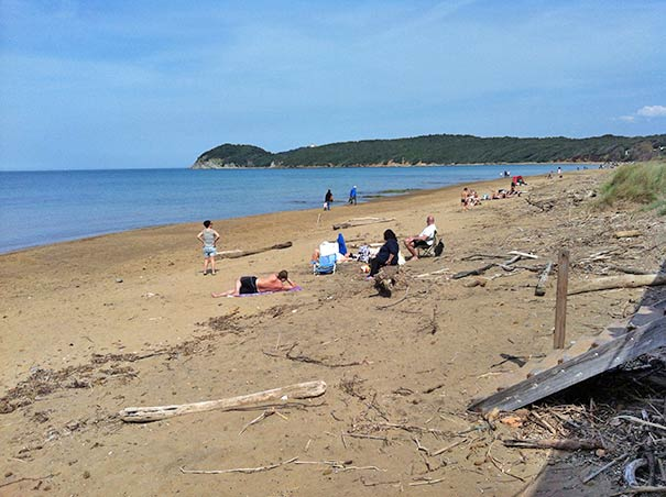 Familienausflug zum Baden an den Baratti Beach bei Populonia