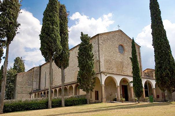 Die Basilika di San Lucchese in Poggibonsi ist ein Beispiel gotischer Baukunst.