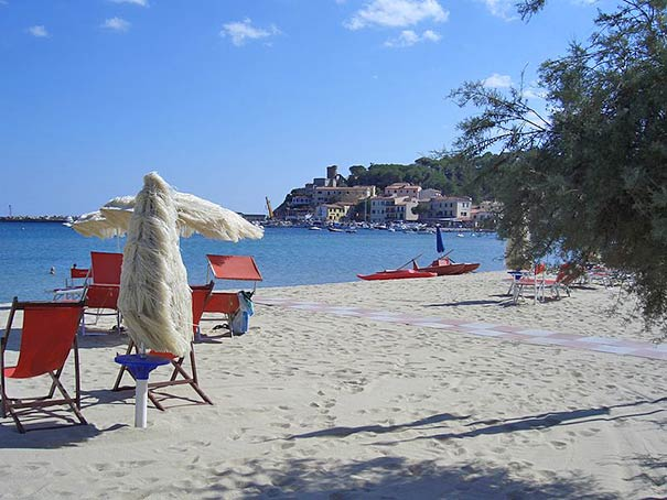 Badeurlaub auf Elba bietet sich in Marina di Campo an.