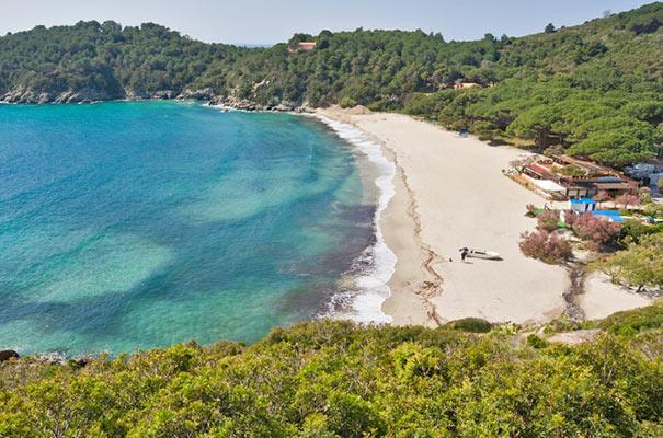 Panaoramablick über die Fetovaia-Bucht