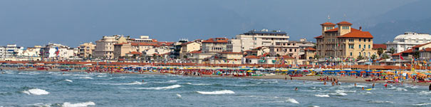 Meerblick auf den Strand von Viareggio