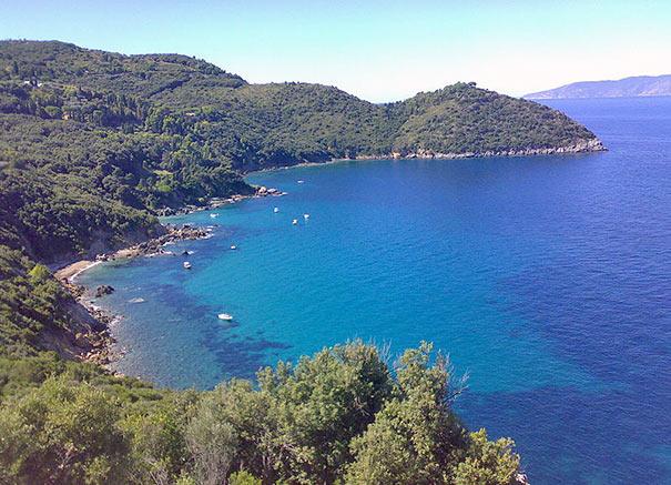 zerklüftetes Küstenstreifen bei Monte Argentario und Porto Santo Stefano
