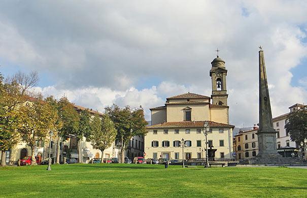 Piazza Garibaldi in Castel del Piano