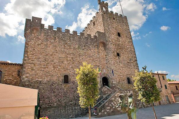 Castellina in Chianti Burg