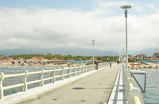 Seebrücke in Forte dei Marmi