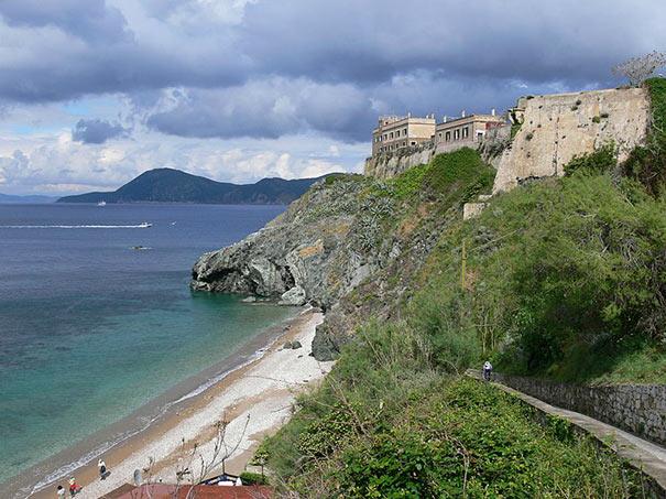 Panoramablick über die Villa Mulini
