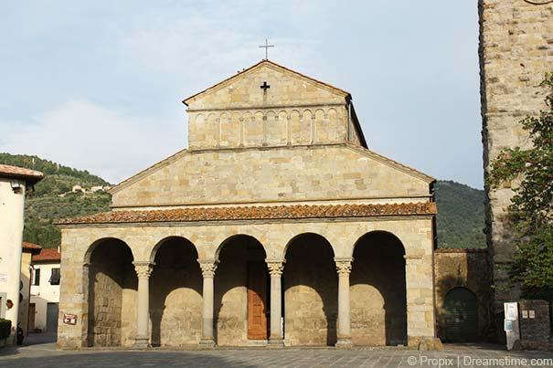 """Die Kirche """"Chiesa di San Pietro"""""""