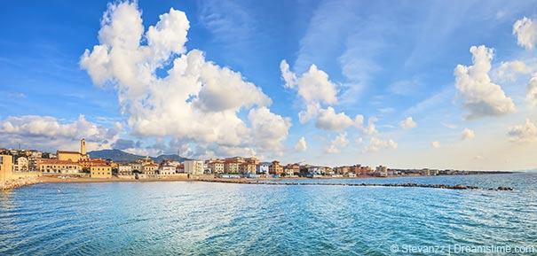 Küstenlinie vor San Vincenzo