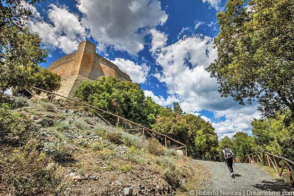 Die Burg Rocca Sillana
