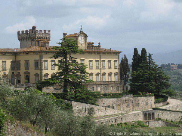 Villa di Torre a Cona in Rignano sull'Arno