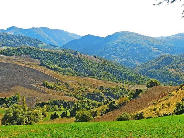 Hügelige Landschaft im Mugello bei Firenzuola