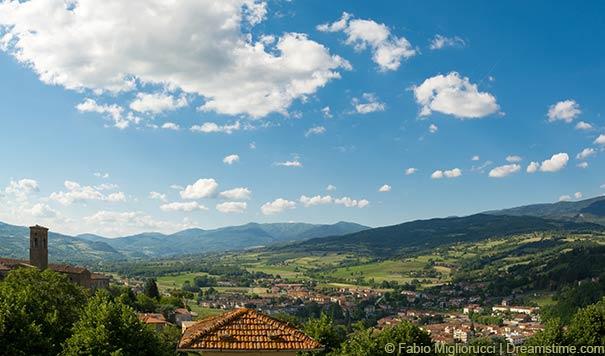 Blick auf das Casentino-Tal.