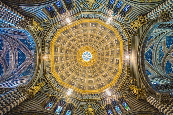 Die Deckengewölbe des Doms von Siena