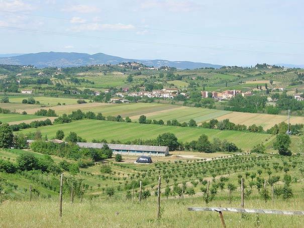Hügelige Landschaft bei der Villa di Mileto