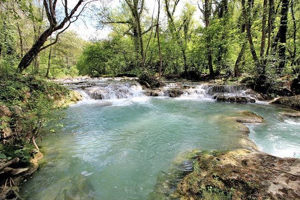 Der Fluss Elsa im Parco Fluviale dell'Alta Val d'Elsa