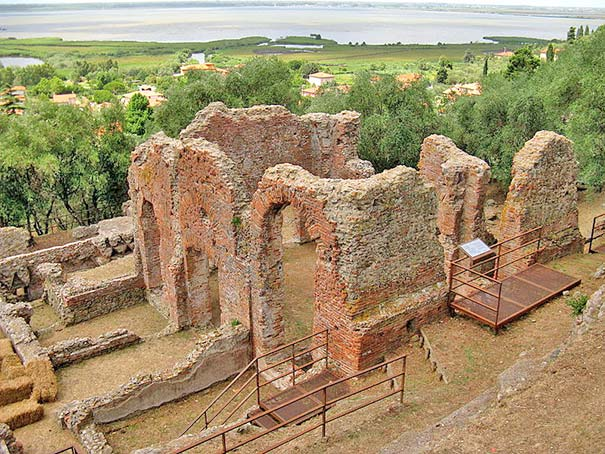 Ruine der Villa dei Venulei a Massaciuccoli
