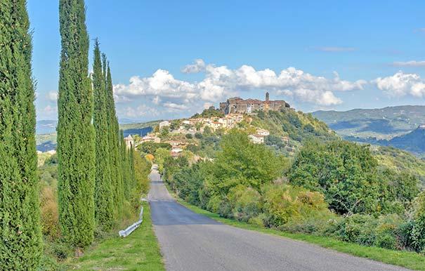 Toskanisches Dorf Montegiovi