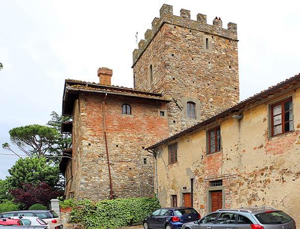 Einen Besuch wert ist Castello Il Palagio in San Casciano in Val di Pesa.