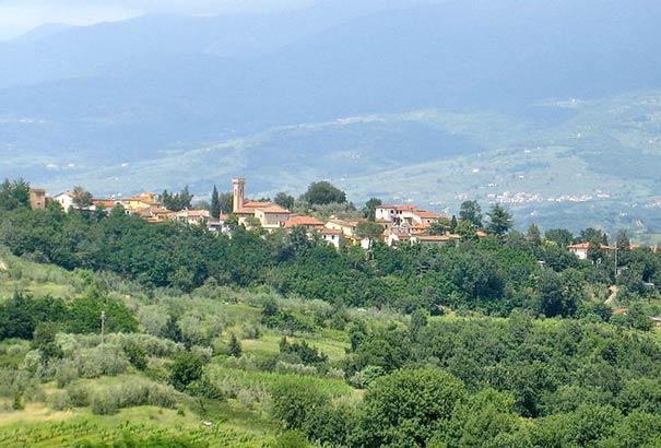 Ricasoli - ein Ortsteil der Gemeinde Montevarсhi.