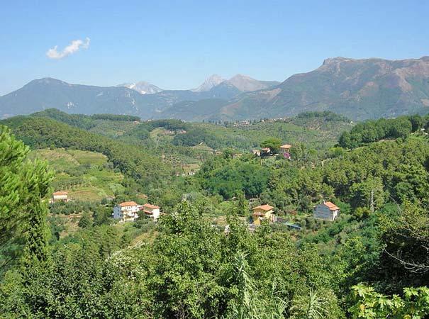Hügelige Landschaft bei Massarosa