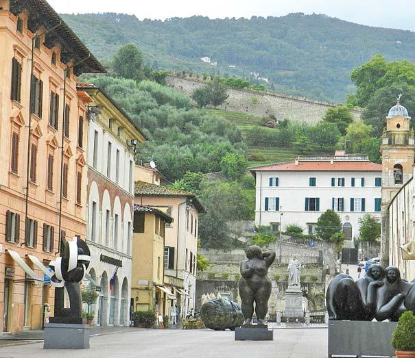 Der Domplatz in Pietrasanta