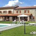 Ferienhaus in der Garfagnana für max. 16 Personen mit Gartengrill und offenem Kamin
