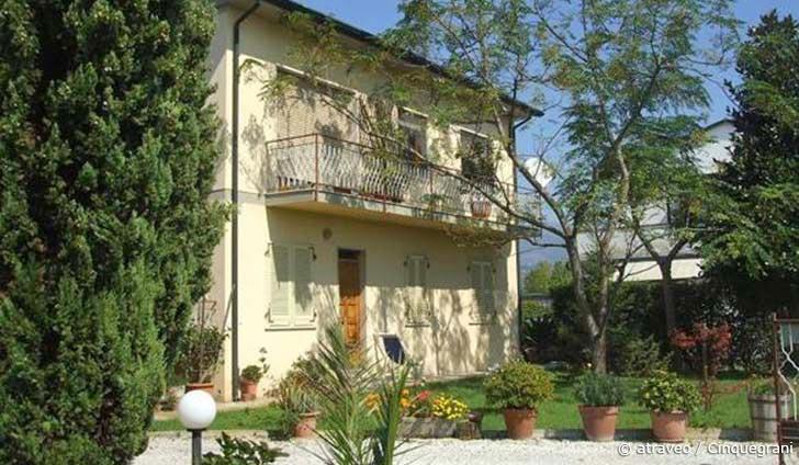 Ferienwohnung in Viareggio mit schönem Garten