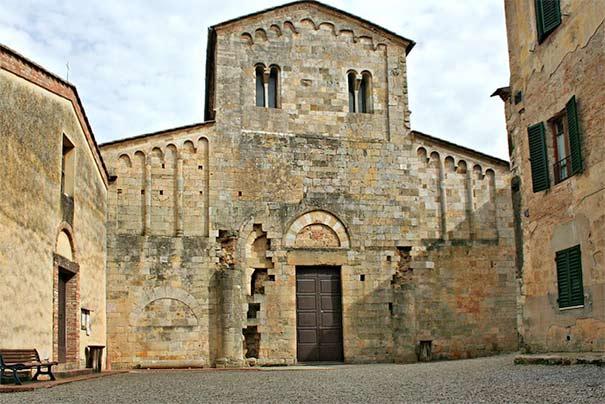 Das Kloster Santi Salvatore e Cirino