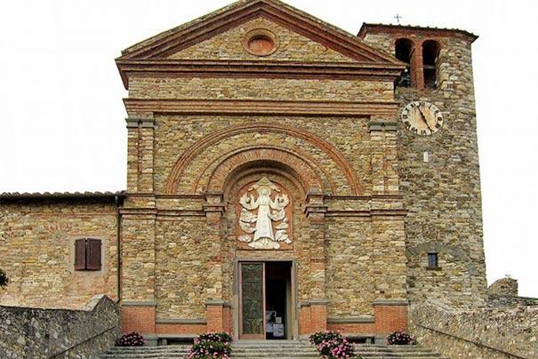 Die Kirche Santa Maria
