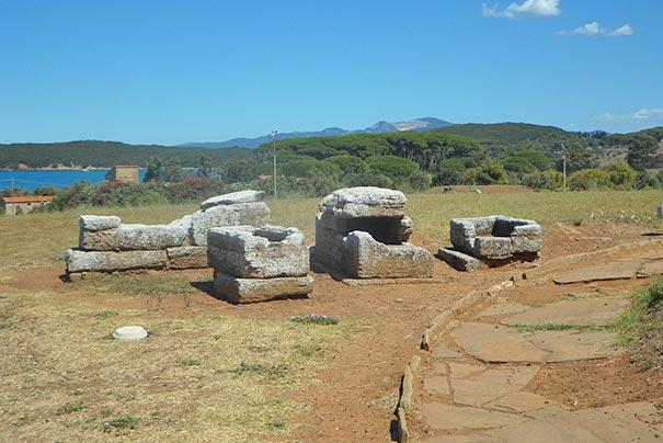 Etruskische Küste - antike Gräber